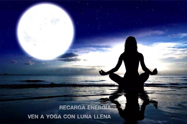 Yoga en Sevilla con Luna Llena www.yogaensevilla.es